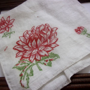 Accessories - Gorgeous vintage red flower hanky